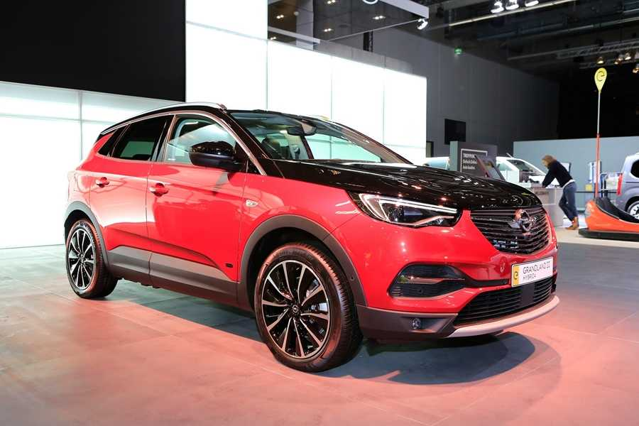 The Vauxhall Grandland X Hybrid4 on display