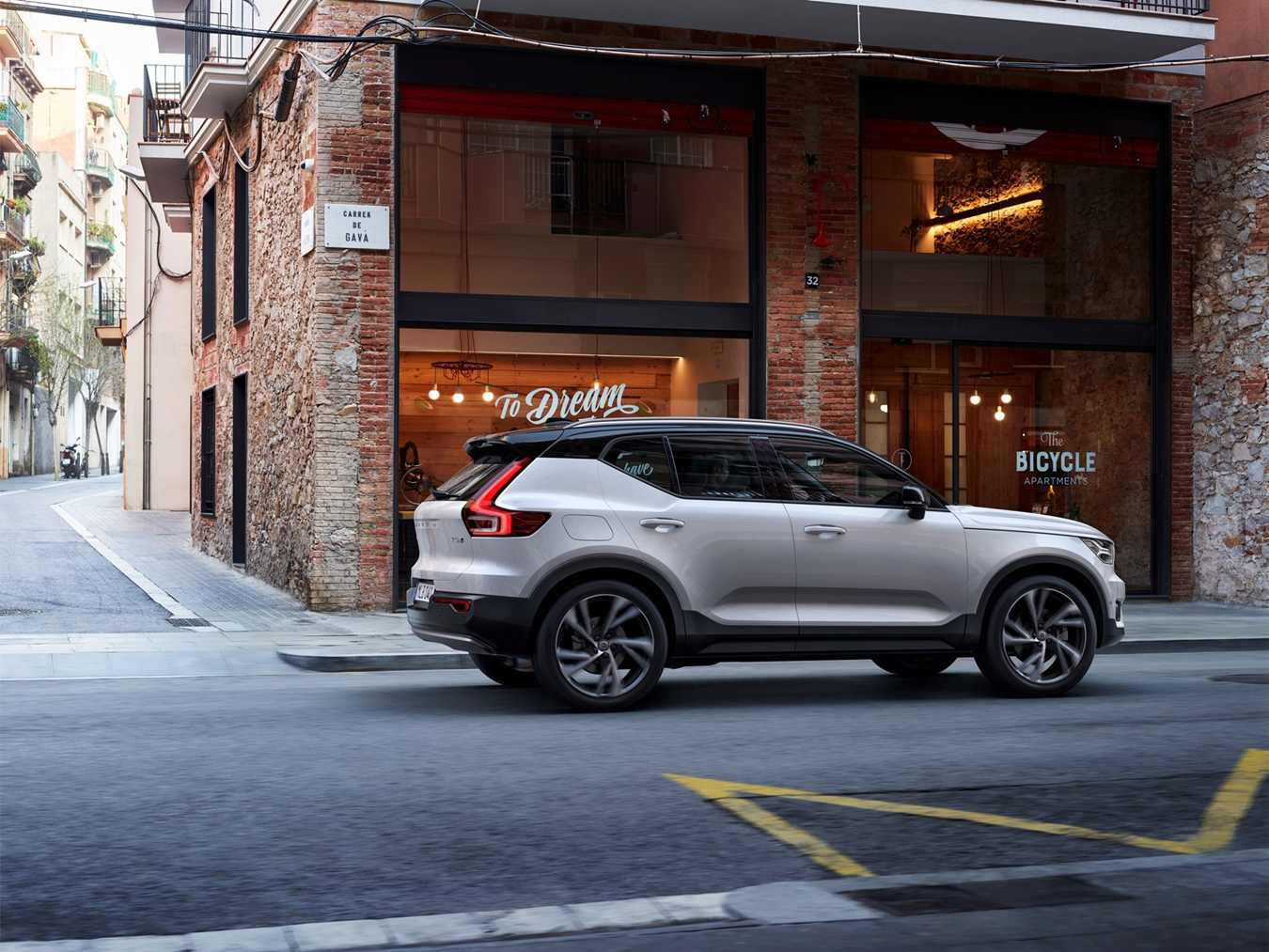 New Volvo XC40 For Sale now at Lookers